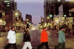 Beatles-abbey-road-parodie-15