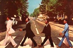 Beatles-abbey-road-parodie-21