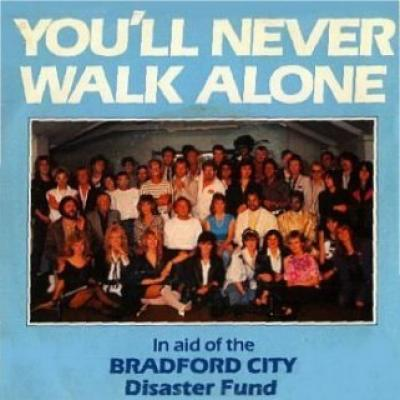 AID BRADFORD CITY - You'll Never Walk Alone (1985) - Les collaborations discographiques de Paul McCartney : les secrets de l'album (paroles, tablature)