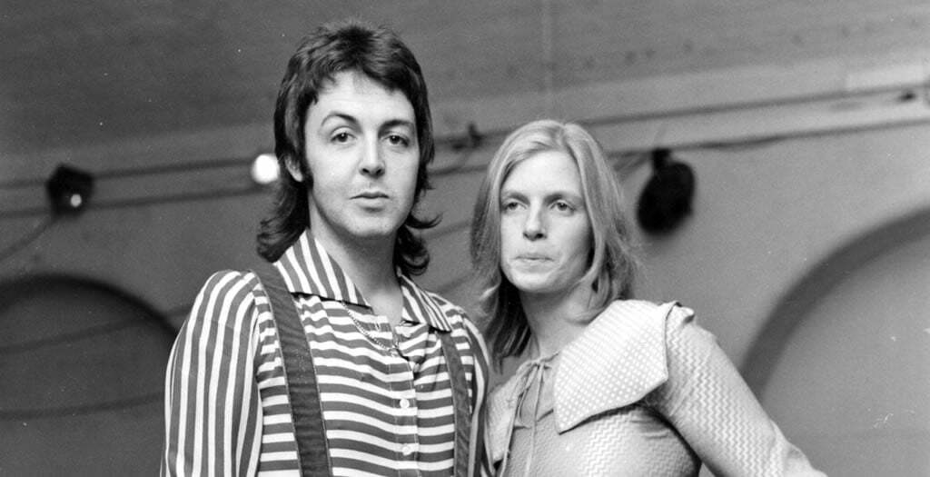 LINE UP Paul McCartney SET LIST Lucille Blue Moon Of Kentucky SEASIDE WOMAN Help Me Darling Some People Never Know The Mess Bip Bop Say Smile Away