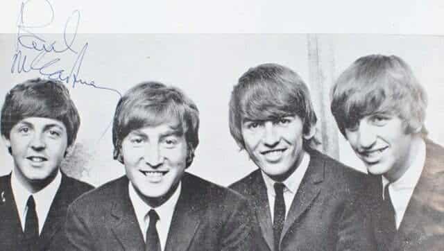 Un programme de concert des Beatles dédicacé aux enchères #beatles