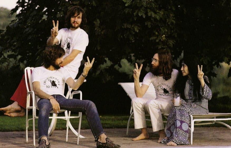John Lennon, Yoko Ono, Eric Clapton et Klaus Voorman